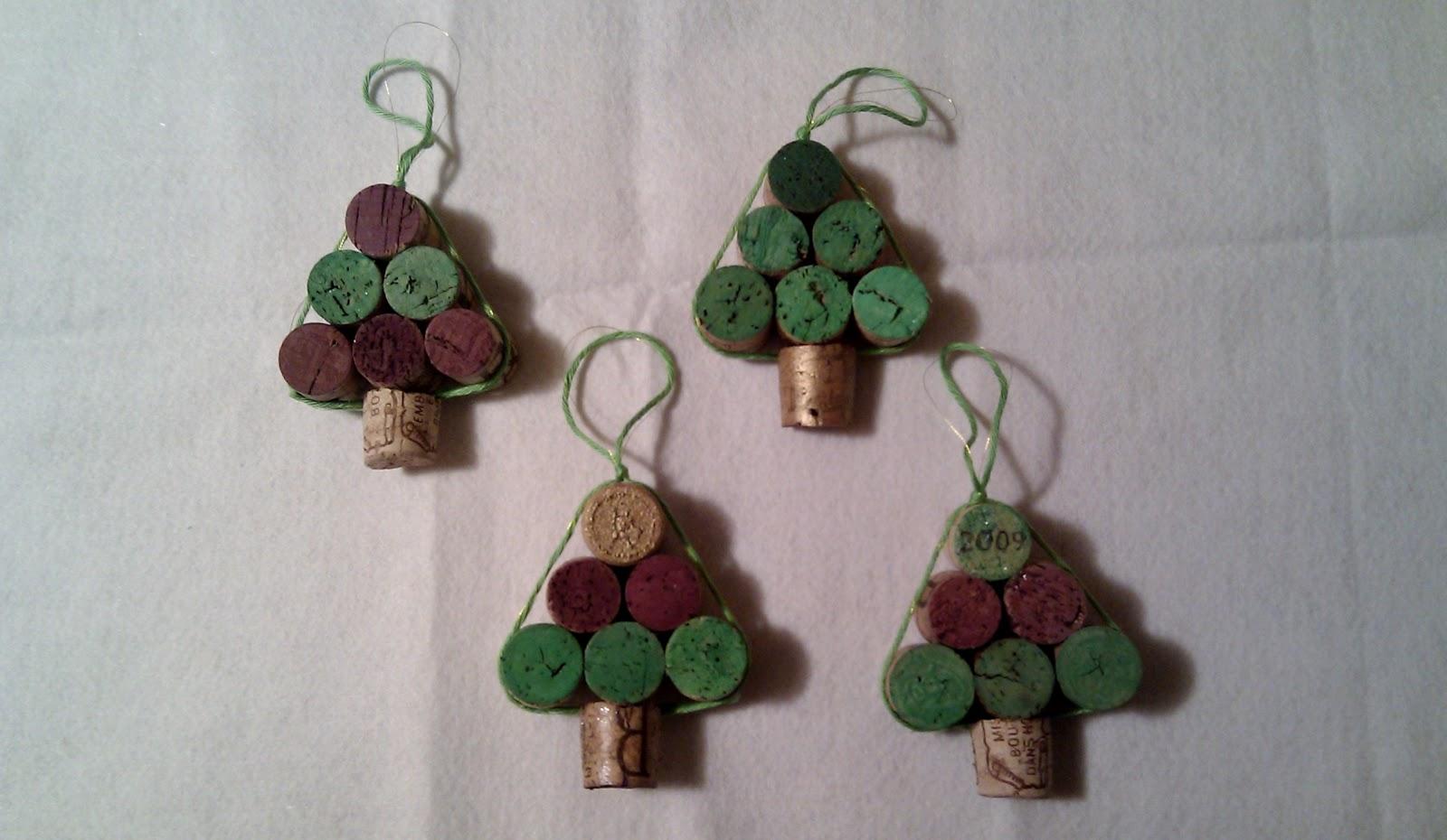 Adornos navide os hechos con materiales reciclables for Materiales para hacer adornos navidenos